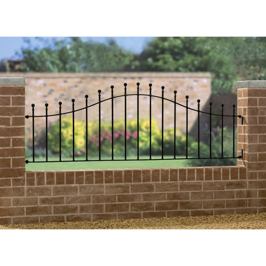 Manor Ball Top Arched Railing Panel