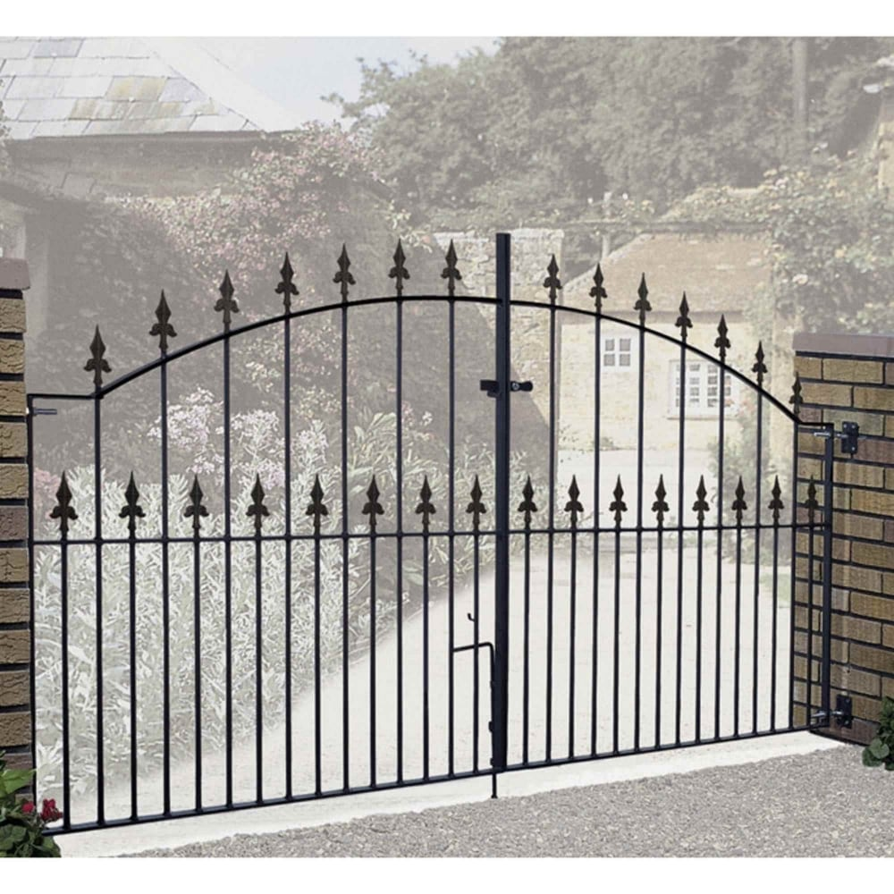 Saxon Fleur-De-Lys Spear Top Arched Double Driveway Gate