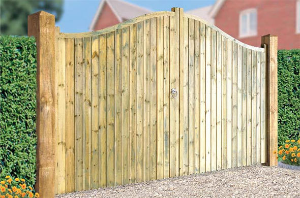 Drayton Shaped Top Wooden Tall Double Gate