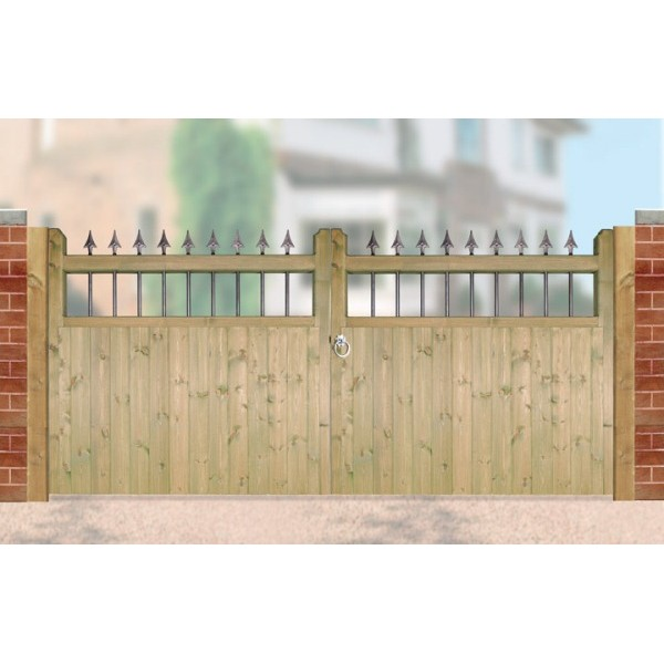 Hampton Wooden Low Double Driveway Gate Supreme